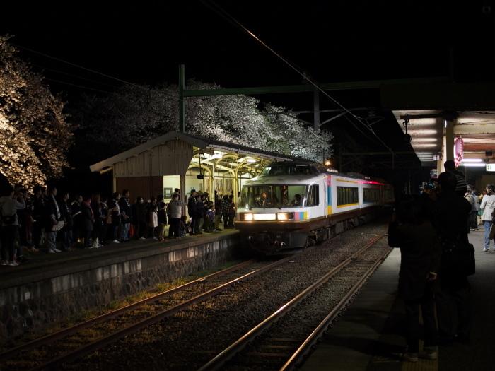 えちご分水夜桜号_e0169421_21442903.jpg