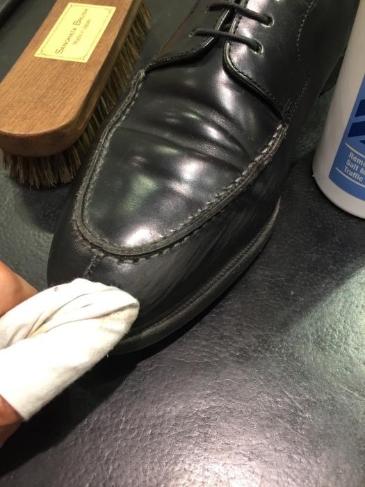 ガラスレザーの傷にレザーコンシーラーがおススメです。_b0226322_10405855.jpg