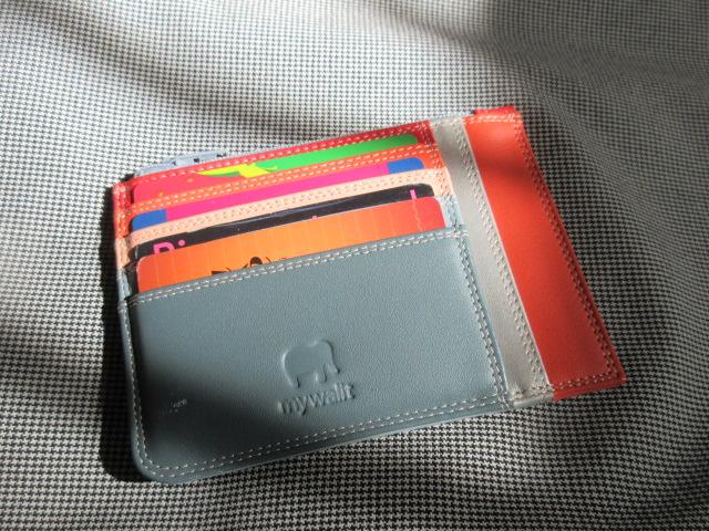 カードケースとお財布は分けるべきか!???お財布盗難後の心得_c0179785_3443346.jpg