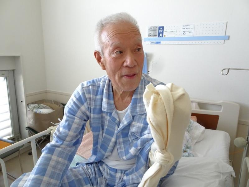 佐野記念病院に有志がお見舞い_c0108460_18033085.jpg