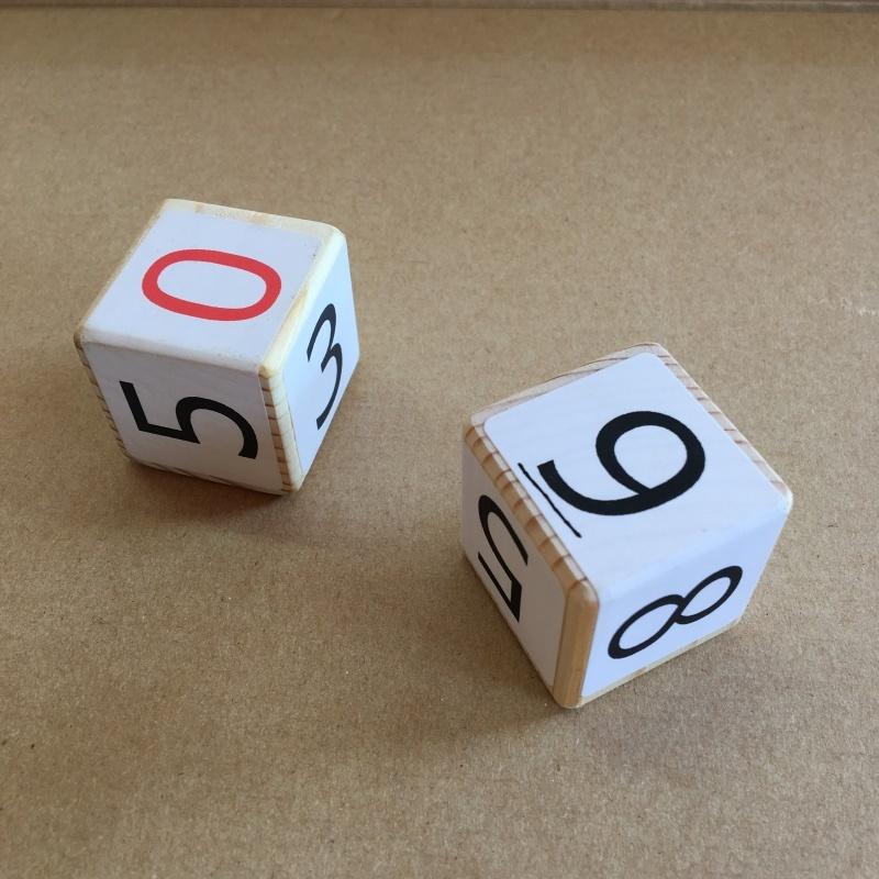 ラッキーナンバーはどれだ、サイコロ二つ_e0366572_16582900.jpg
