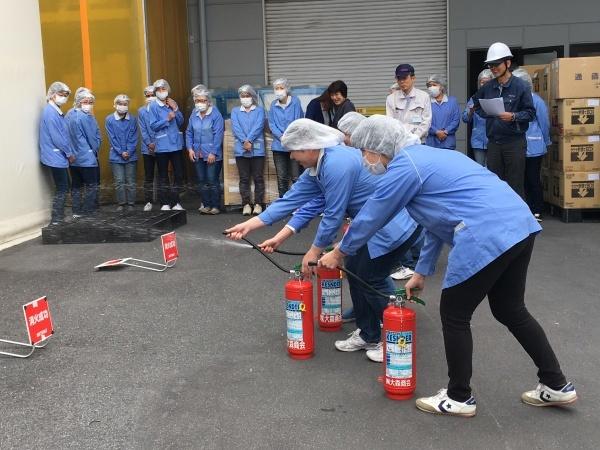 甲南工場の定期消防訓練_b0100062_14164108.jpg