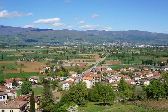 アンギアーリの村の見所は・・・_f0106597_17061517.jpg