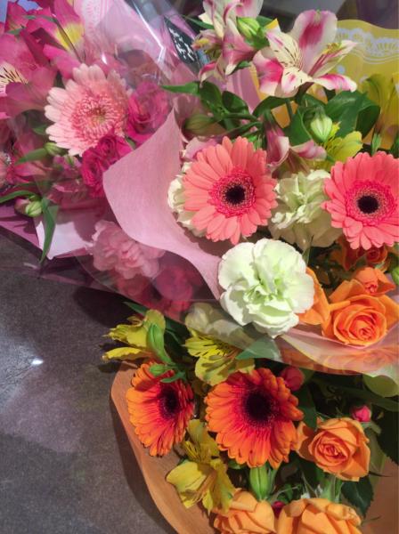 歓送迎会の花束です♪_a0300110_17011365.jpg