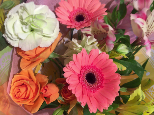 歓送迎会の花束です♪_a0300110_17011458.jpg