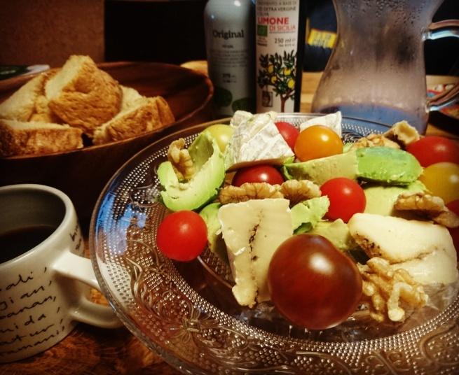 朝やき上がるパンで幸せ1日スタート_d0148223_17572206.jpg