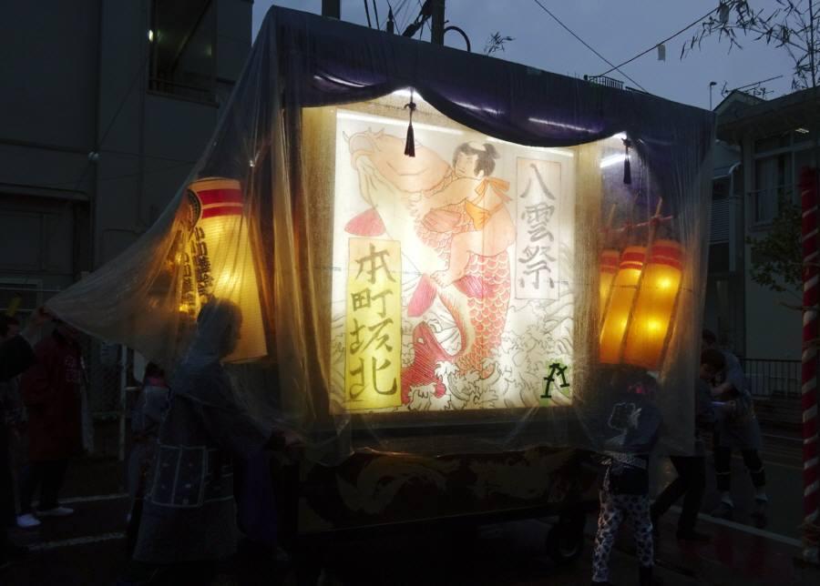 八雲祭前夜祭の万灯行進は雨で中止_f0059673_22531074.jpg