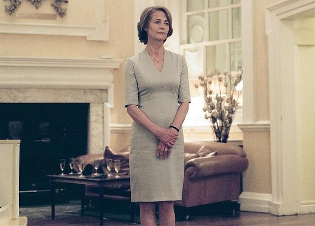 映画「さざなみ」でヒロインが着ていたドレス_f0378589_14574821.jpg