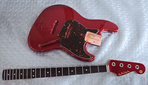 「Guitar × 4種とBass × 2種」の塗装が完了しました!_e0053731_17454662.jpg