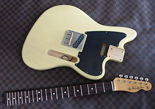 「Guitar × 4種とBass × 2種」の塗装が完了しました!_e0053731_17455435.jpg