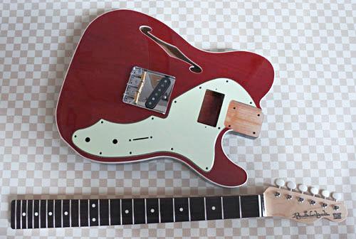 「Guitar × 4種とBass × 2種」の塗装が完了しました!_e0053731_17455881.jpg
