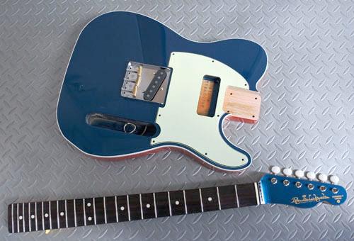 「Guitar × 4種とBass × 2種」の塗装が完了しました!_e0053731_17460675.jpg