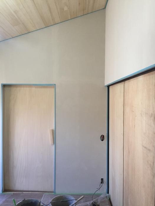 桜堂の家改修工事、タイル張りと砂漆喰塗り_d0332870_21402625.jpg