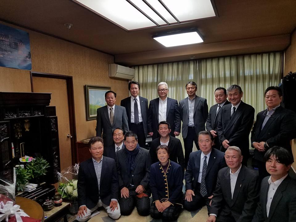 福岡初彦さんが発起人で、今月24日の芦原英幸師範の23回忌を前に、2代目を励ます会を開催。_c0186691_10335926.jpg