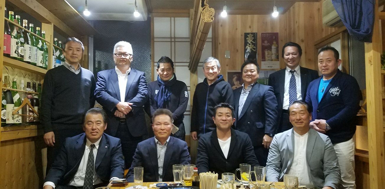 福岡初彦さんが発起人で、今月24日の芦原英幸師範の23回忌を前に、2代目を励ます会を開催。_c0186691_10361352.jpg