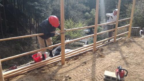 理想の森の新しい小屋(作業1日目)_e0032609_16364324.jpg