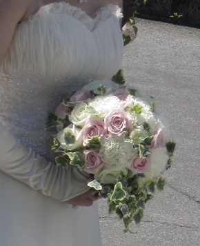 白ドレス&ライトブルードレスのブーケ♪_f0054809_10391644.jpg