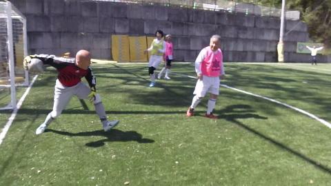 4/23(日) 第4回シニアフットサル at UNOフットボールファーム_a0059812_10423180.jpg