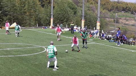 4/23(日) 第4回シニアフットサル at UNOフットボールファーム_a0059812_10435796.jpg