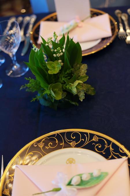 春の装花 如水会館様へ 今年初めてのスズランの卓上装花_a0042928_1252756.jpg