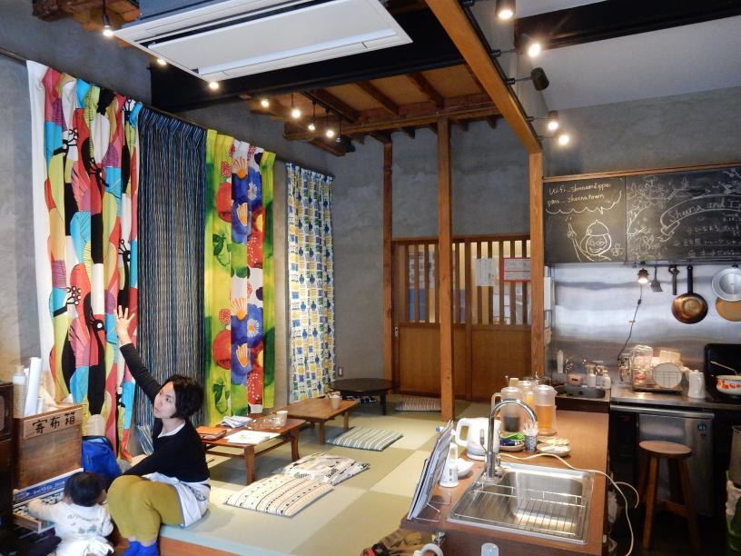 立ち食いうどん屋の外国人旅行者と豊島区椎名町のインバウンドの話_b0235153_11101596.jpg