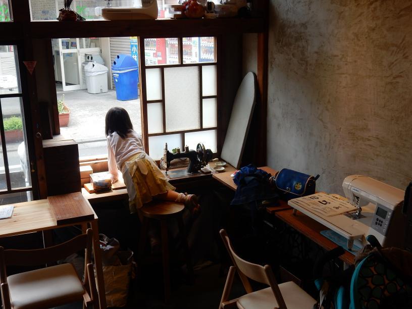 立ち食いうどん屋の外国人旅行者と豊島区椎名町のインバウンドの話_b0235153_11125614.jpg