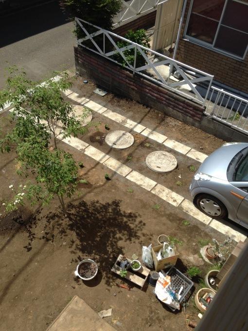 庭4年目。庭づくりをふりかえる②駐車スペース作り_e0375293_10593514.jpg