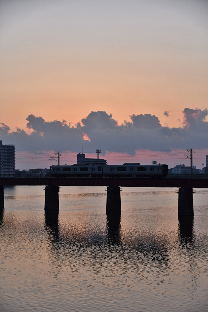 じわじわ早起きになる季節です (*^_^*)_c0049299_21125909.jpg