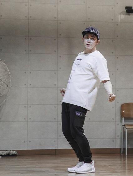 ファンミに向けたダンスの練習中の様子を公開!_f0378683_19360497.jpg