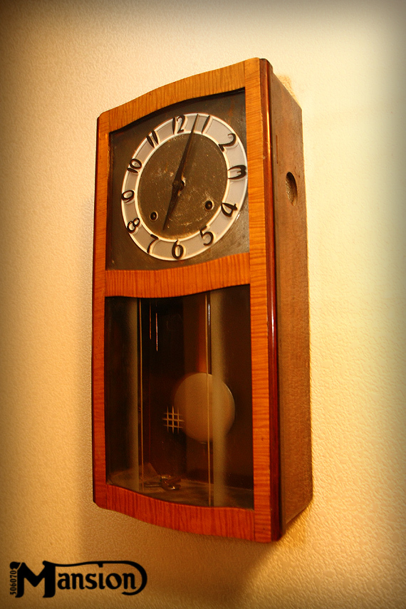1960s Vintage 壁掛時計 レトロな立体文字盤_e0243096_12404349.jpg