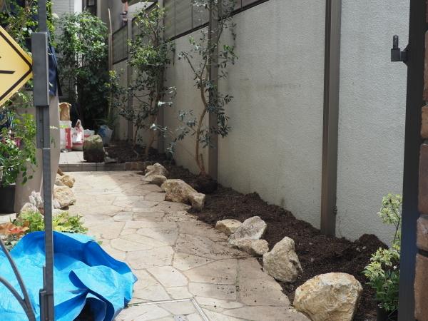 尼崎市 Aさまのお庭造園の様子です_e0232798_21053956.jpg