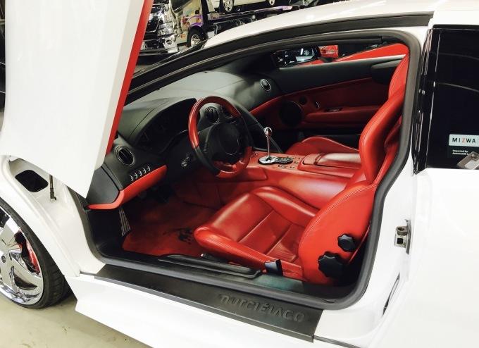 スーパーカーに乗って。_f0115311_02024206.jpg