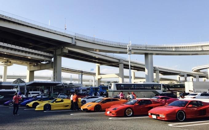 スーパーカーに乗って。_f0115311_02095378.jpg