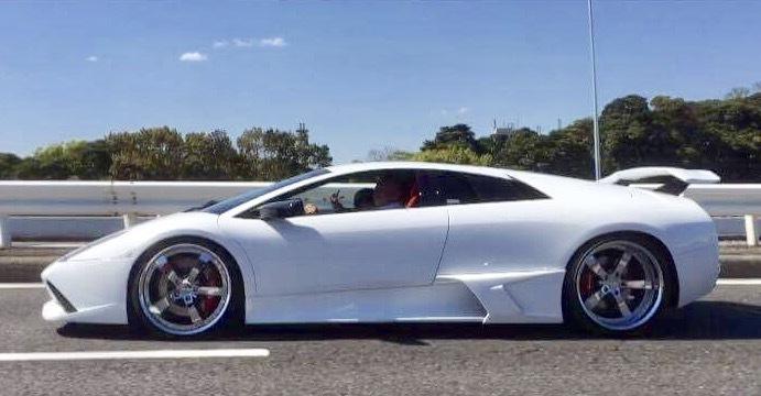 スーパーカーに乗って。_f0115311_02134071.jpg