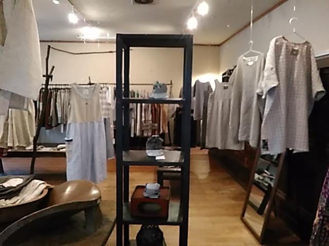 【たねまき生活の衣服たち展】初日_b0237038_21131203.jpg