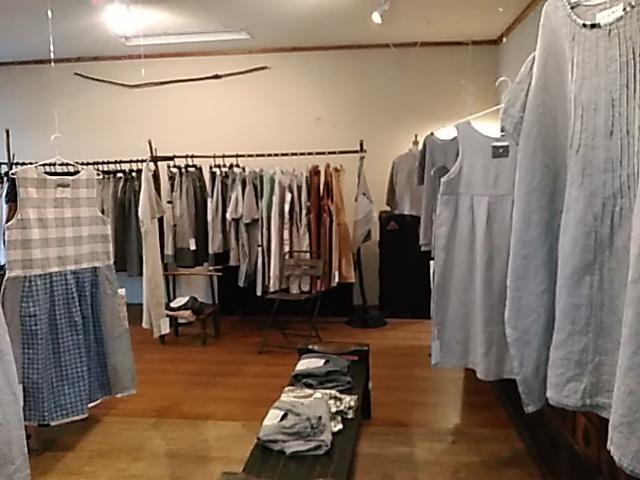 【たねまき生活の衣服たち展】初日_b0237038_21131884.jpg