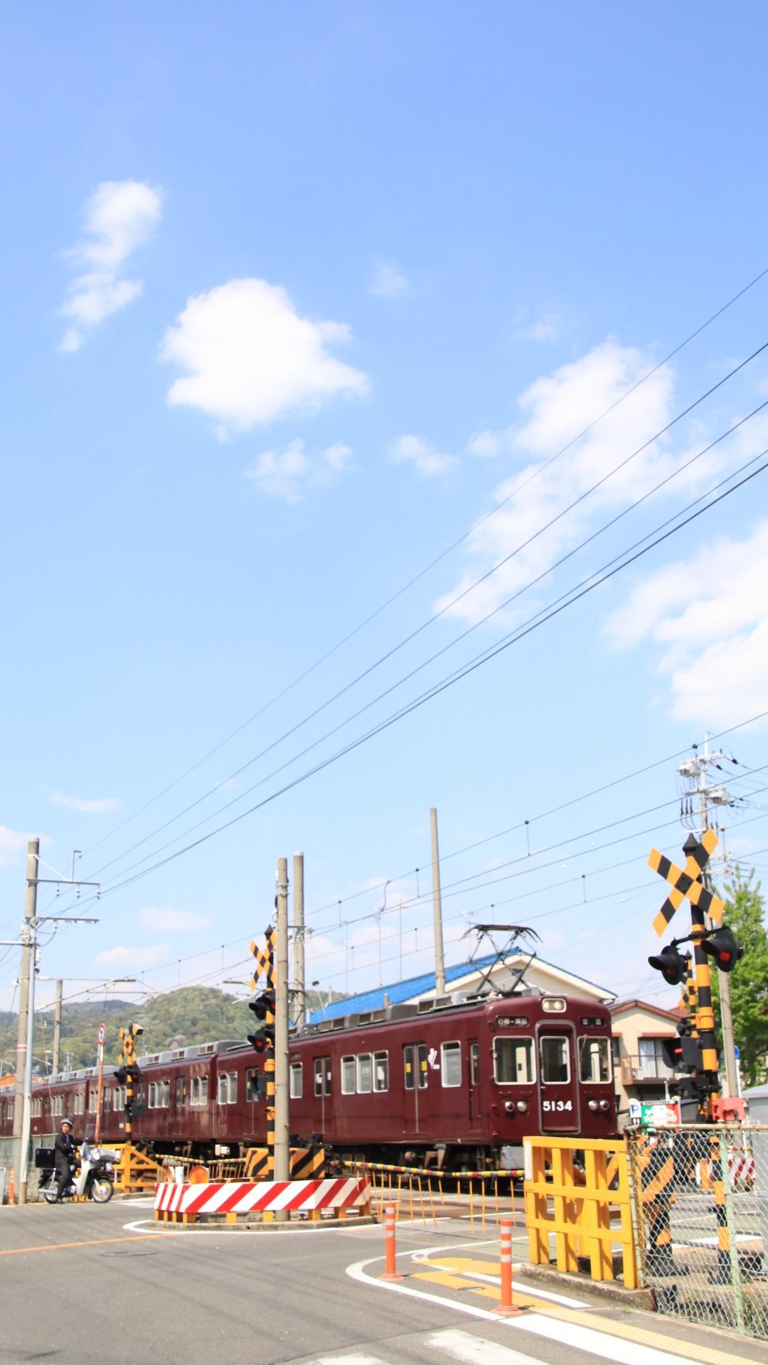 青空の下 阪急電車_d0202264_865682.jpg