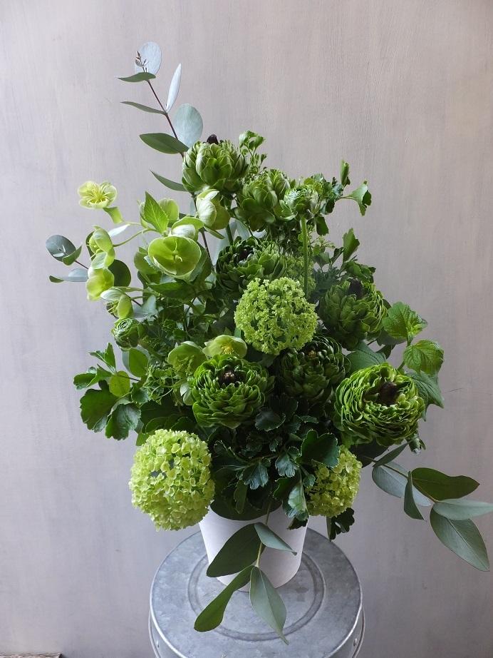 オークリーフ(緑色の花のアレンジメント)_f0049672_18023888.jpg