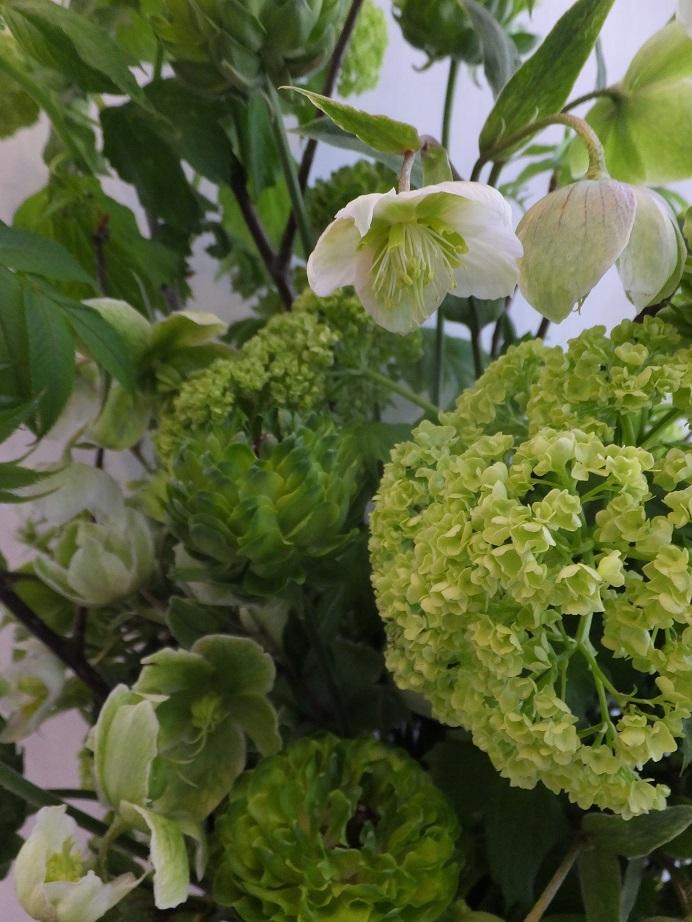 オークリーフ(緑色の花のアレンジメント)_f0049672_18025387.jpg