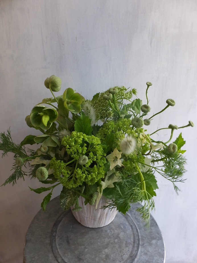 オークリーフ(緑色の花のアレンジメント)_f0049672_18045257.jpg