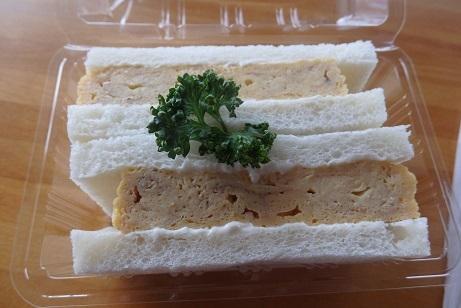 これが噂のサンドリアの「だし巻卵サンド」 食べました。_f0362073_17084475.jpg