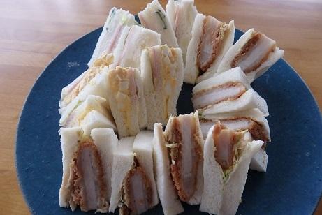 これが噂のサンドリアの「だし巻卵サンド」 食べました。_f0362073_17090282.jpg