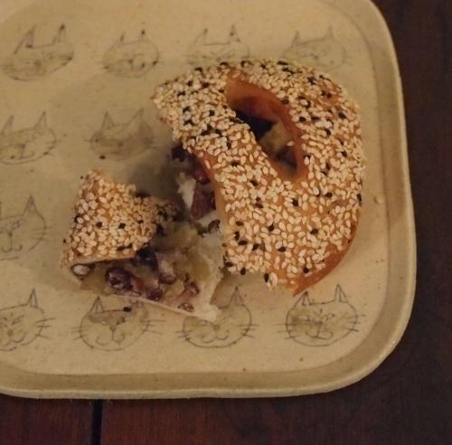 大野素子さんの猫マグとパン皿_b0322280_12352613.jpg