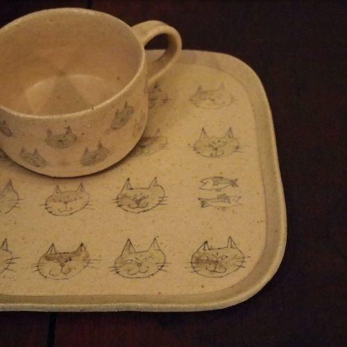 大野素子さんの猫マグとパン皿_b0322280_12391268.jpg