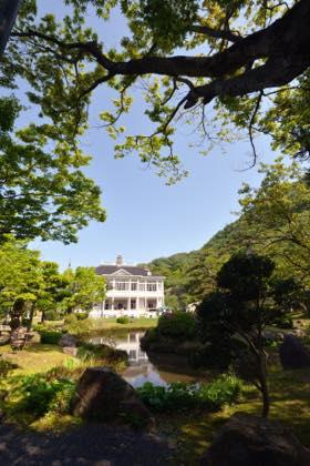 観光客さんの混雑は3日からの後半かな〜中庭では...._b0194185_21123820.jpg