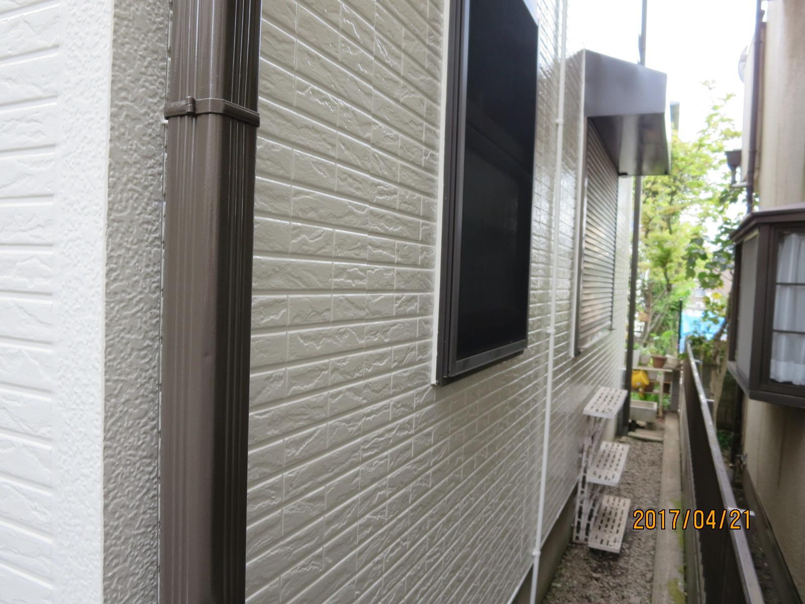 外装リフォーム工事とガラス交換<遮熱塗料と真空ガラススペーシア>_f0140817_12543751.jpg