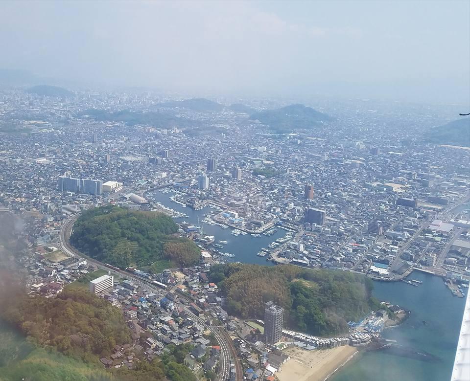 「日本人よ、立ち上がれ!」日本人として祝日には国旗(日の丸)を掲げる運動をしたいと思います。_c0186691_1117534.jpg