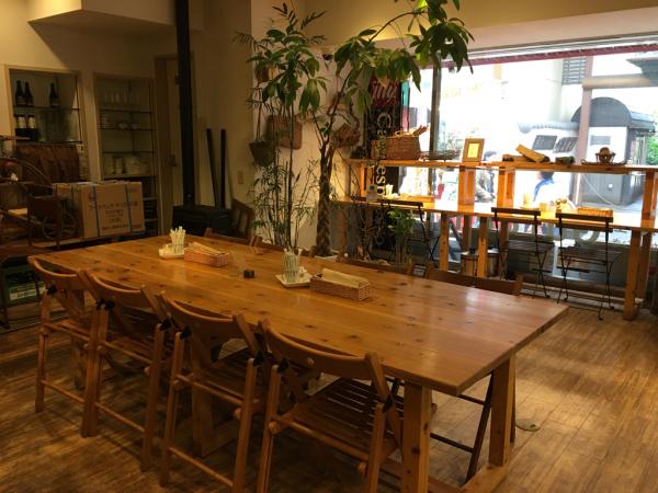 森のカフェ ひがしむきガーデンズ_e0292546_03411945.jpg