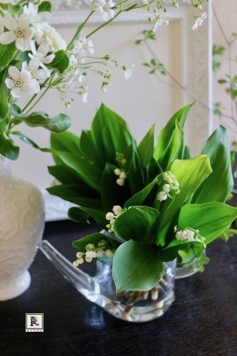 「5本の花ということ」では「いろいろな白」_c0128489_22480320.jpg