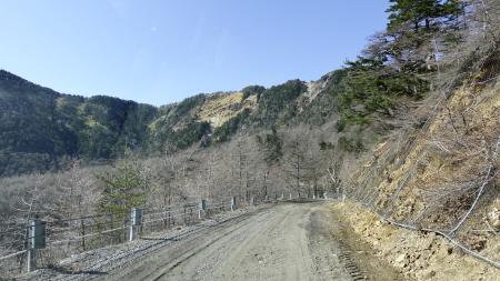湯ノ丸高峰林道が開通しました_e0120896_07434831.jpg